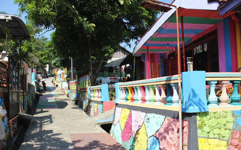 Kampung Ragam Warna Mragen