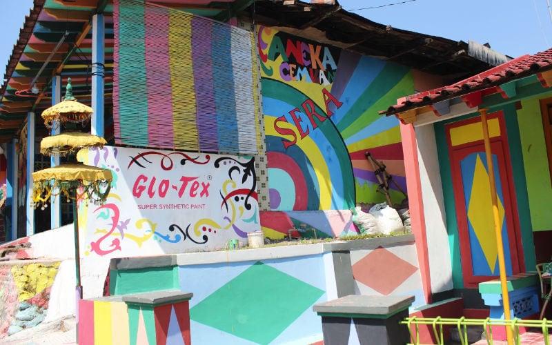 Kampung Ragam Warna cat kayu glotex