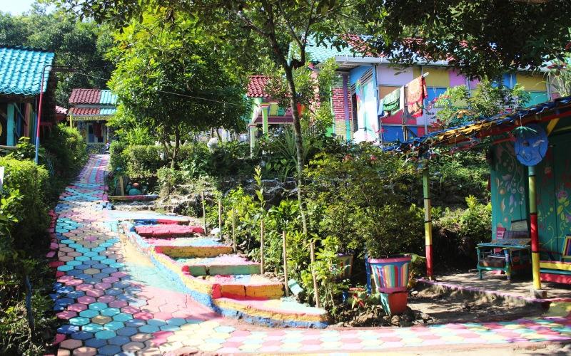 Kampung Ragam Warna homestay