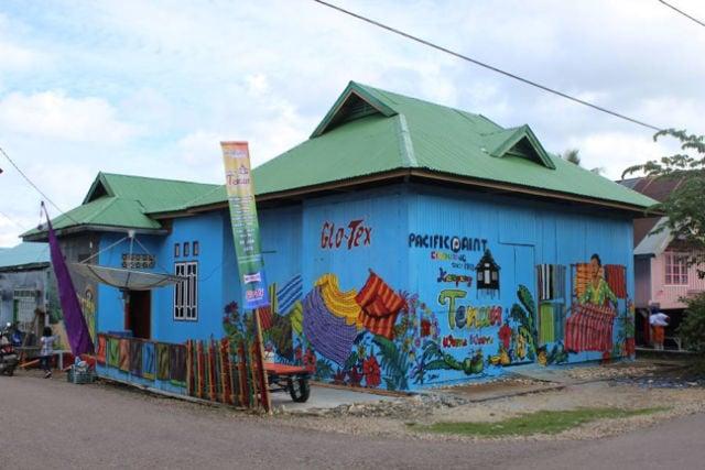 kampung tenun baubau penuh warna