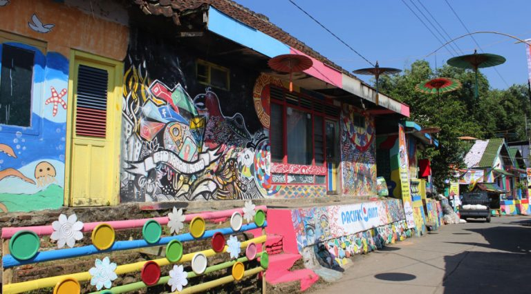 A homestay in Mranggen that is Contemporary and Rich in Local Culture