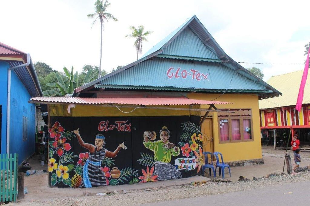 kampung tenun warna warni baubau 2 1