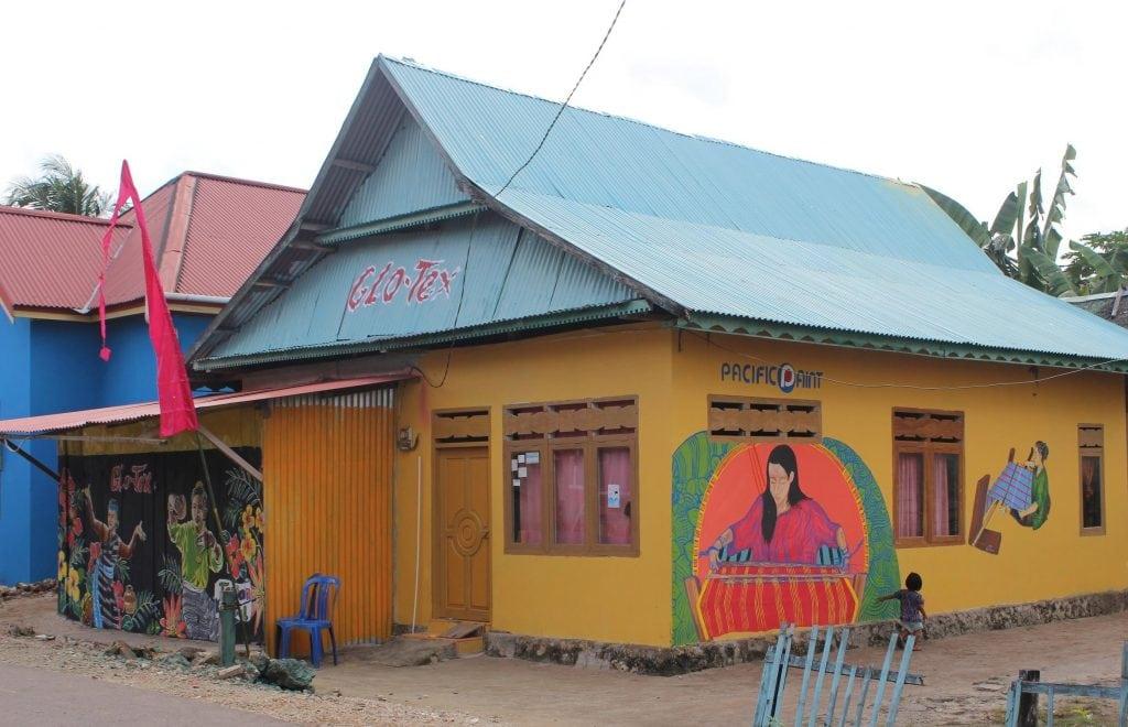 kampung tenun warna warni baubau 7 1
