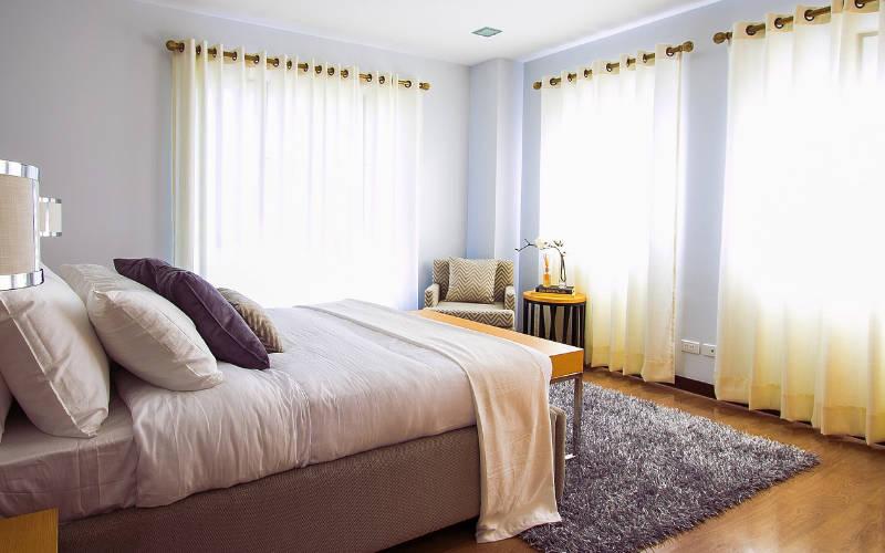 aksen emas untuk warna kamar tidur