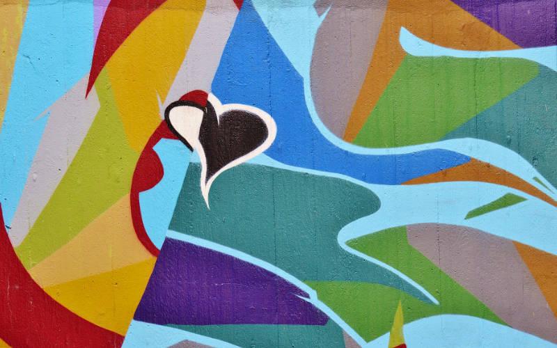 grafiti cat dinding