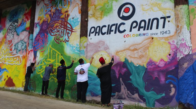 Pacific Paint Holds a Religious Festival for the First Time
