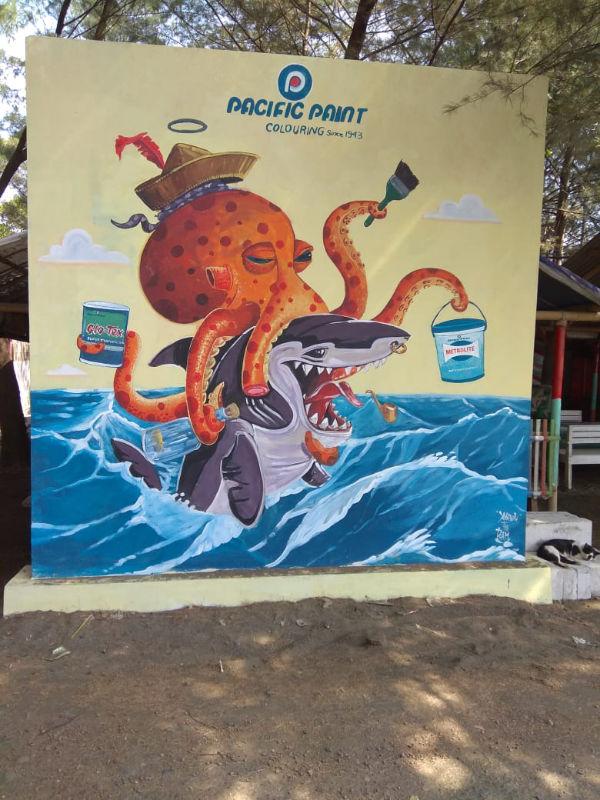 Pantai Muarareja Indah dengan Mural