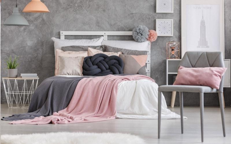 abu-abu dan pastel kamar tidur